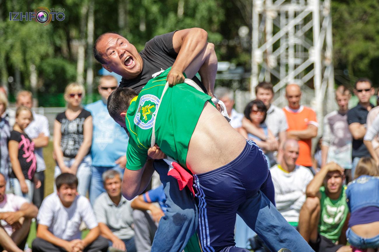 В Татарстане борцов называют «батыр» и «көрәшче»