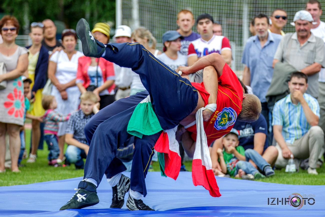 Куреш - традиционный вид спорта у тюркских народов