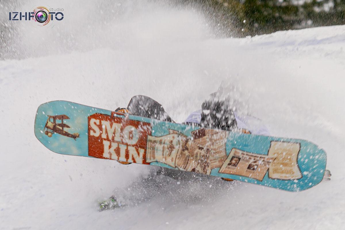Фото с соревнований сноуборду