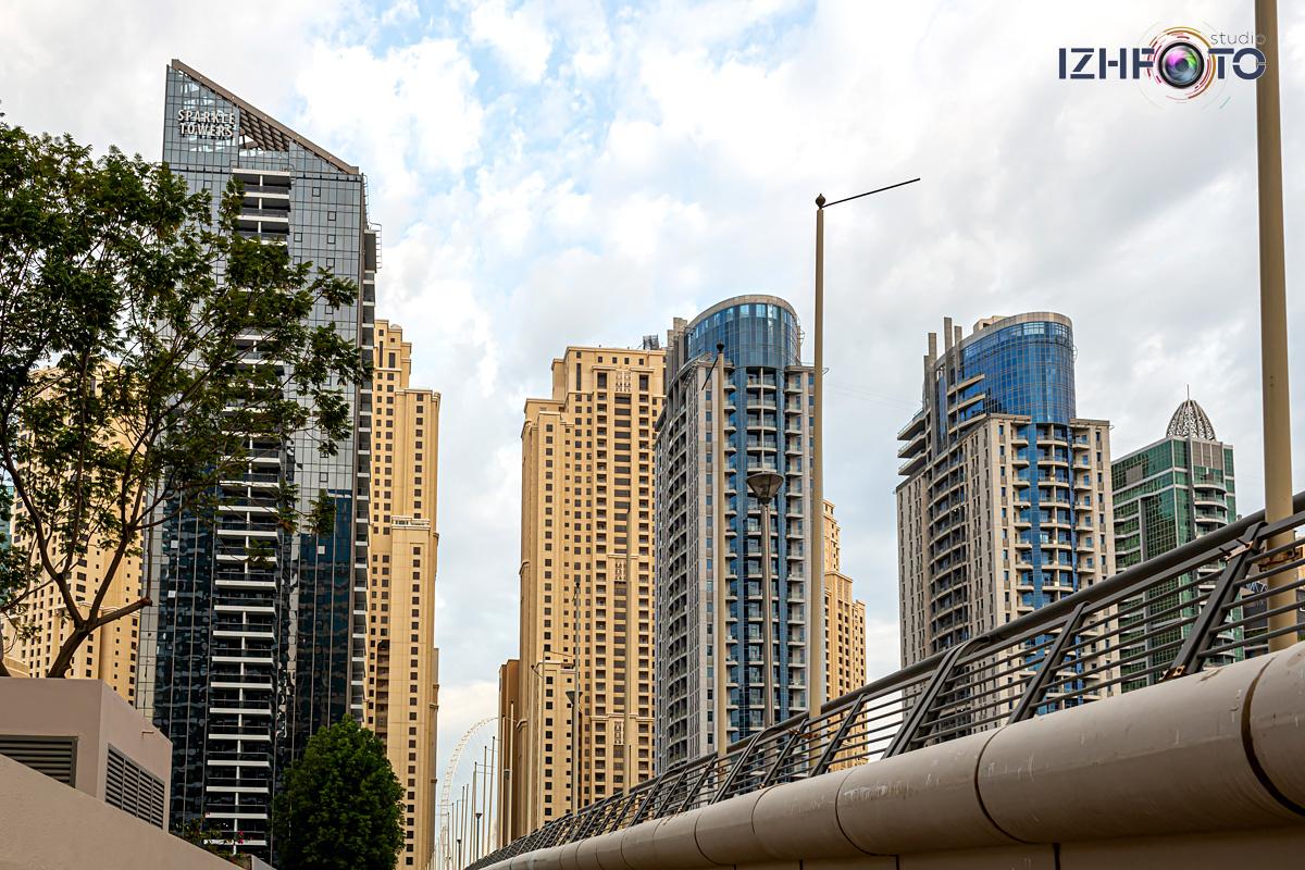 Мосты и небоскребы в Дубае Фото