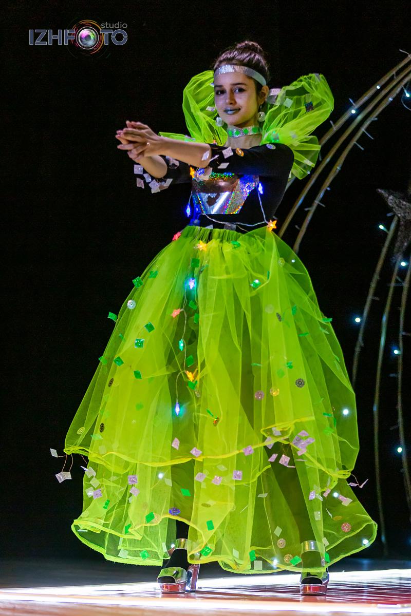 Дефиле участниц Мисс Fashion Фото