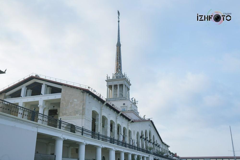 Морской порт Сочи фото