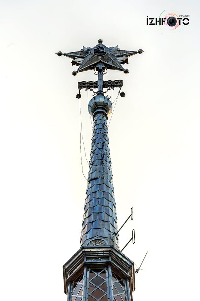 Здание морского вокзала в Сочи