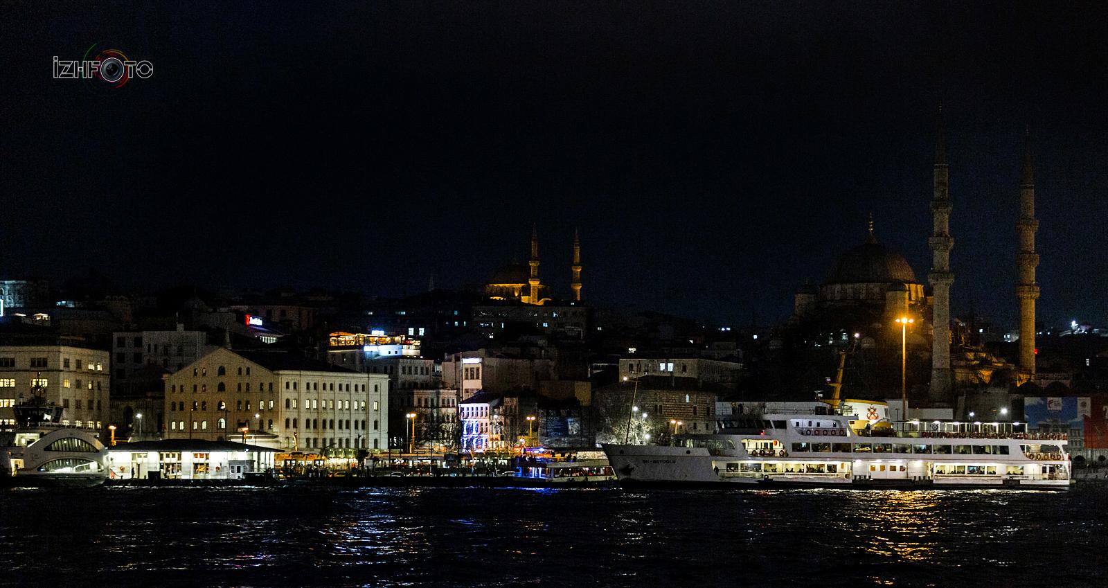 Прогулочные катера через Босфор в Стамбуле