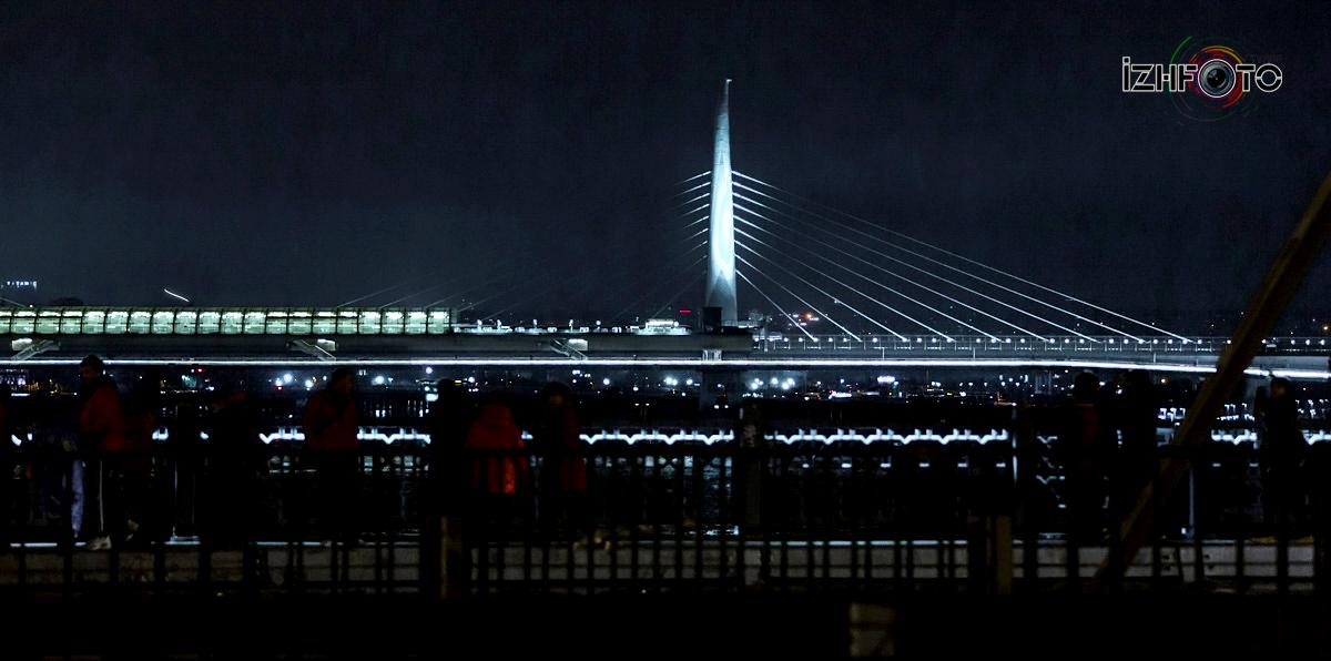 Мосты в Стамбуле ночью фото
