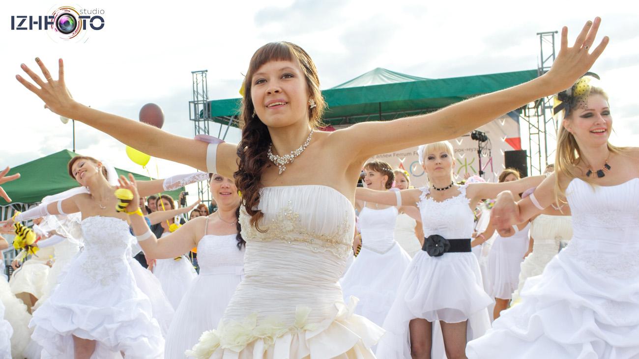 Общий танец Марафон невест в Ижевске 2014
