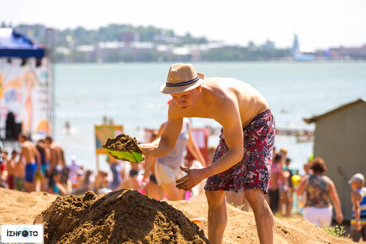 Строительство песочных фигур