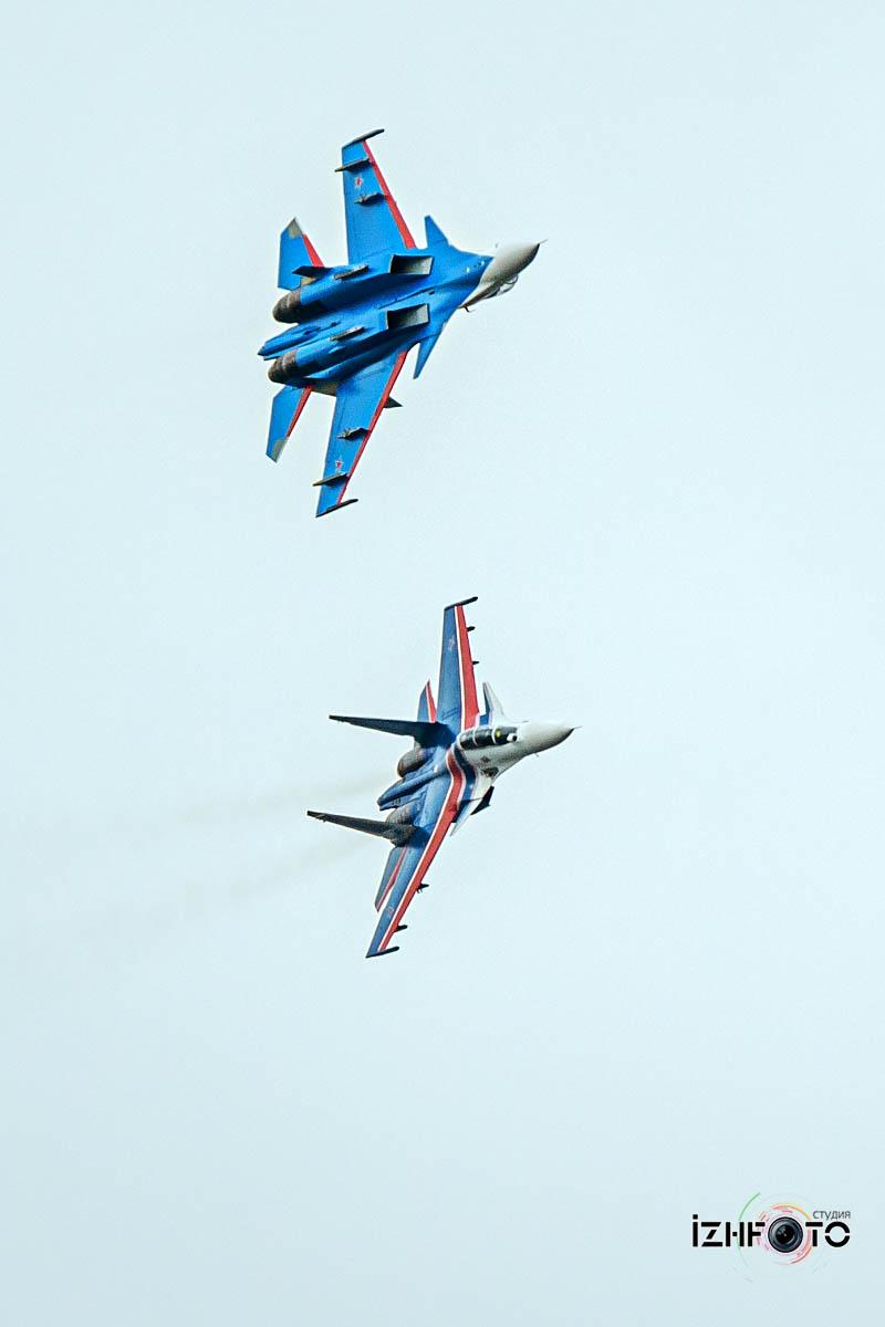 Полеты Русских витязей над Ижевском Фото