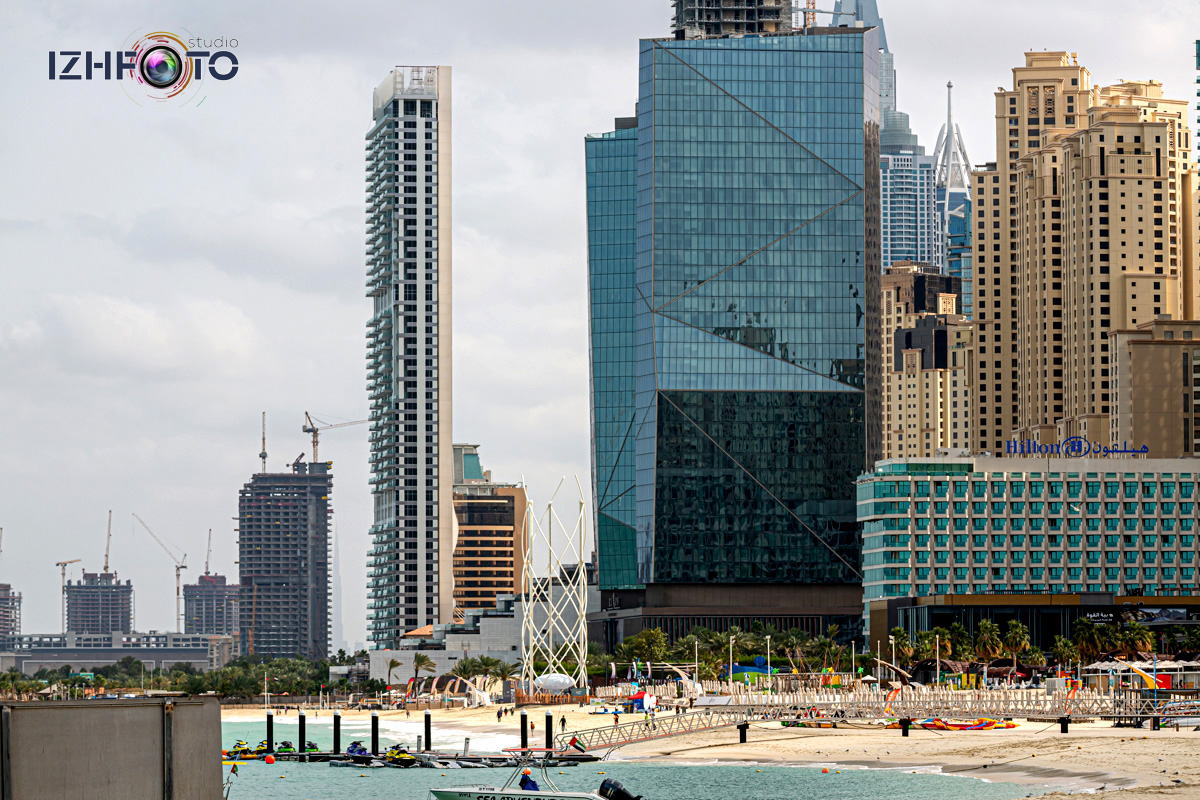 Фото отелей на Palm Jumeirah со стороны пляжа Марина