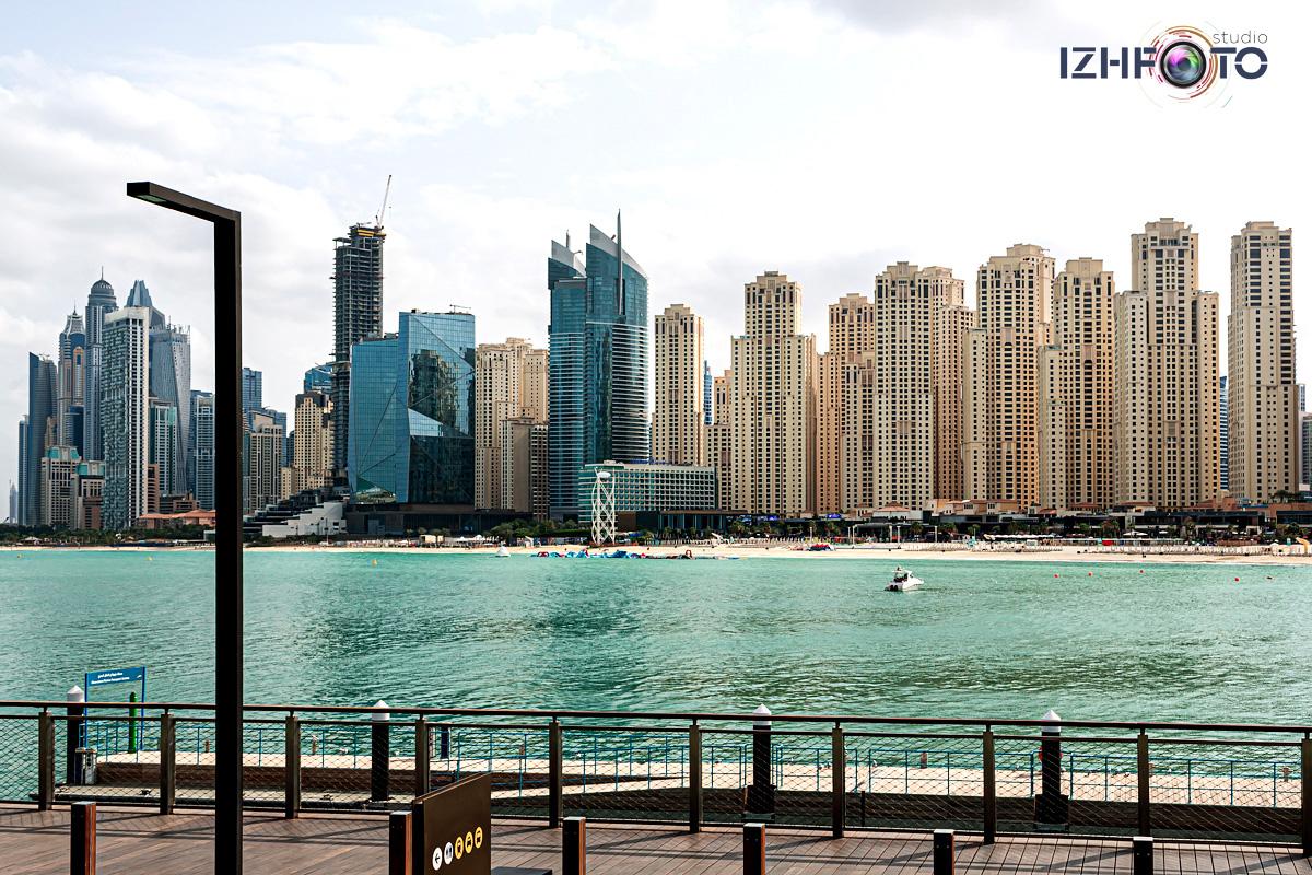 Вид на пляж Марина с  Bluewaters Island Dubai Фото