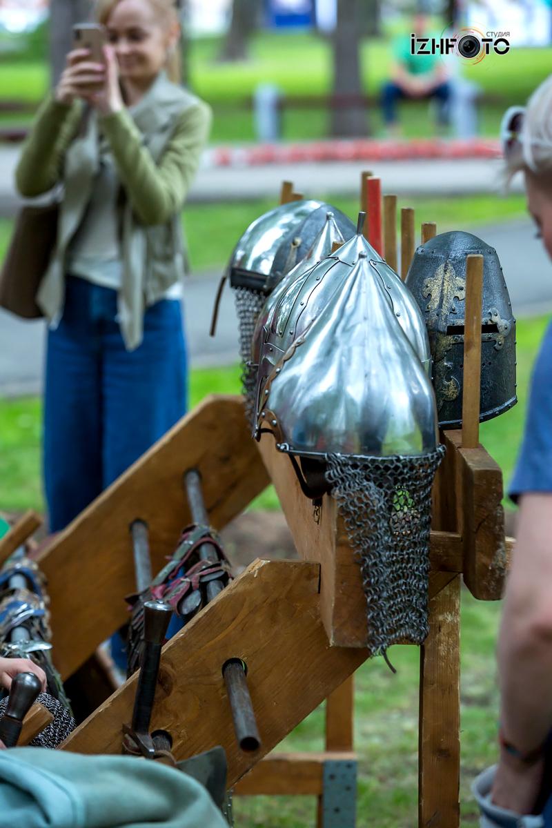 Историческое фехтование Фото