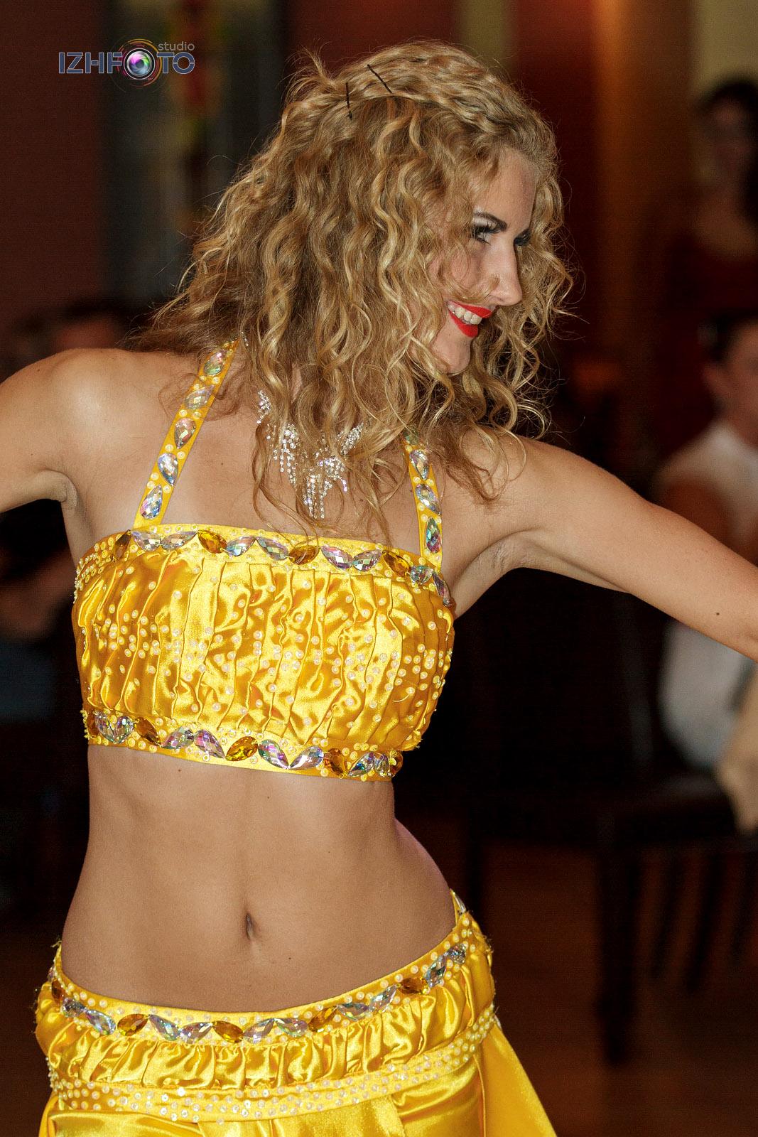 Конкурс восточного танца Фото