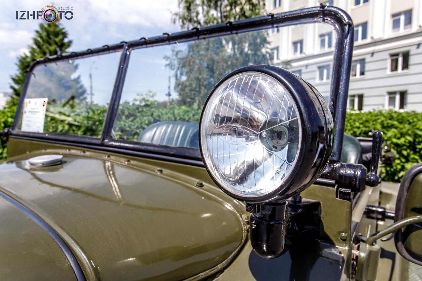 Автомобиль Willys MB (Виллис) ретро Фото