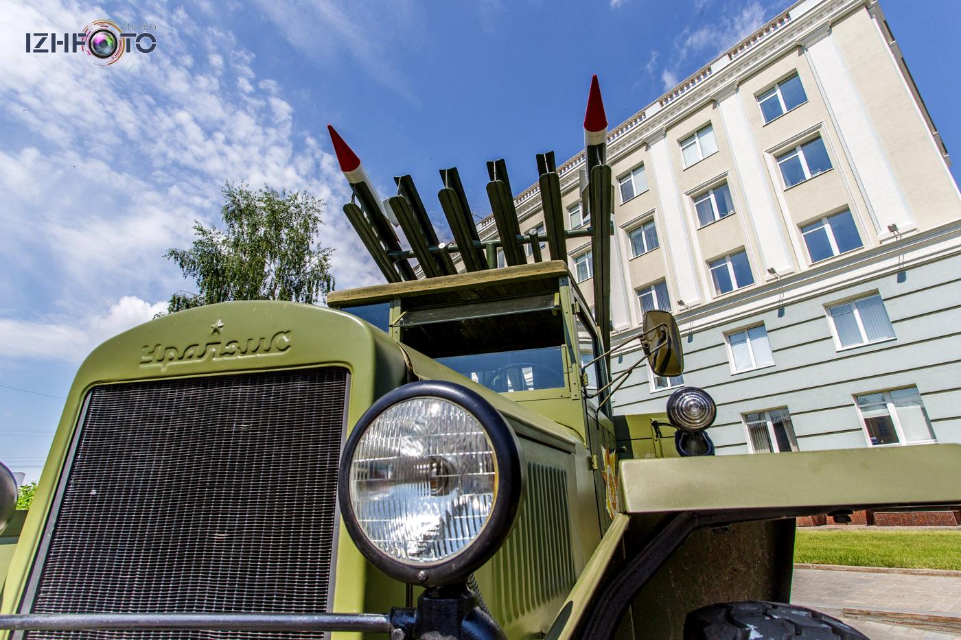 """""""Катюша"""" - бесствольная система полевой реактивной артиллерии"""