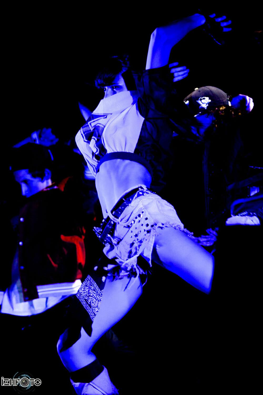 Руководитель: Раш (Rush) — известный танцор, профессиональный хореограф