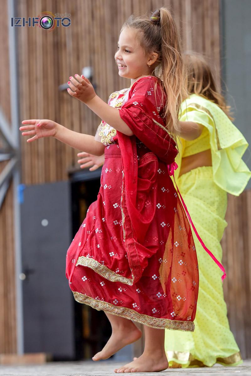 Индийский танец Школы ШОУ А5 Ижевск Фото