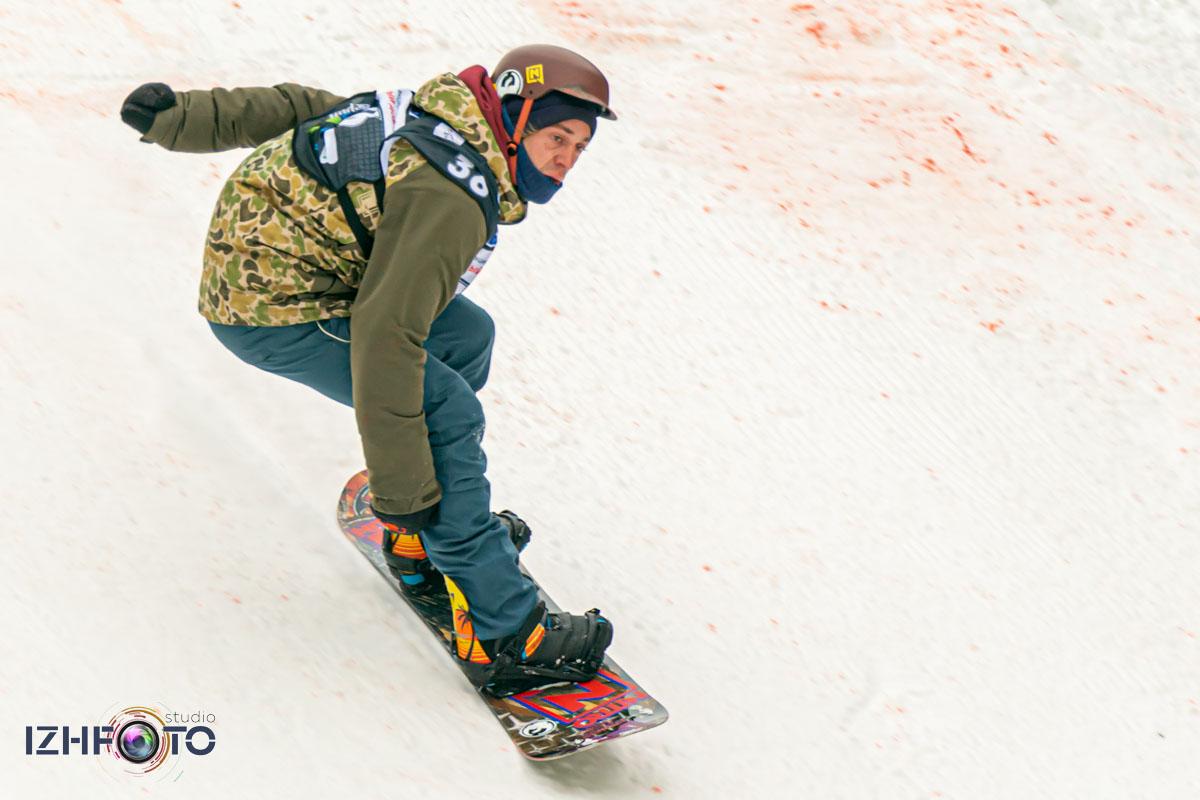 Катание на сноуборде Фото