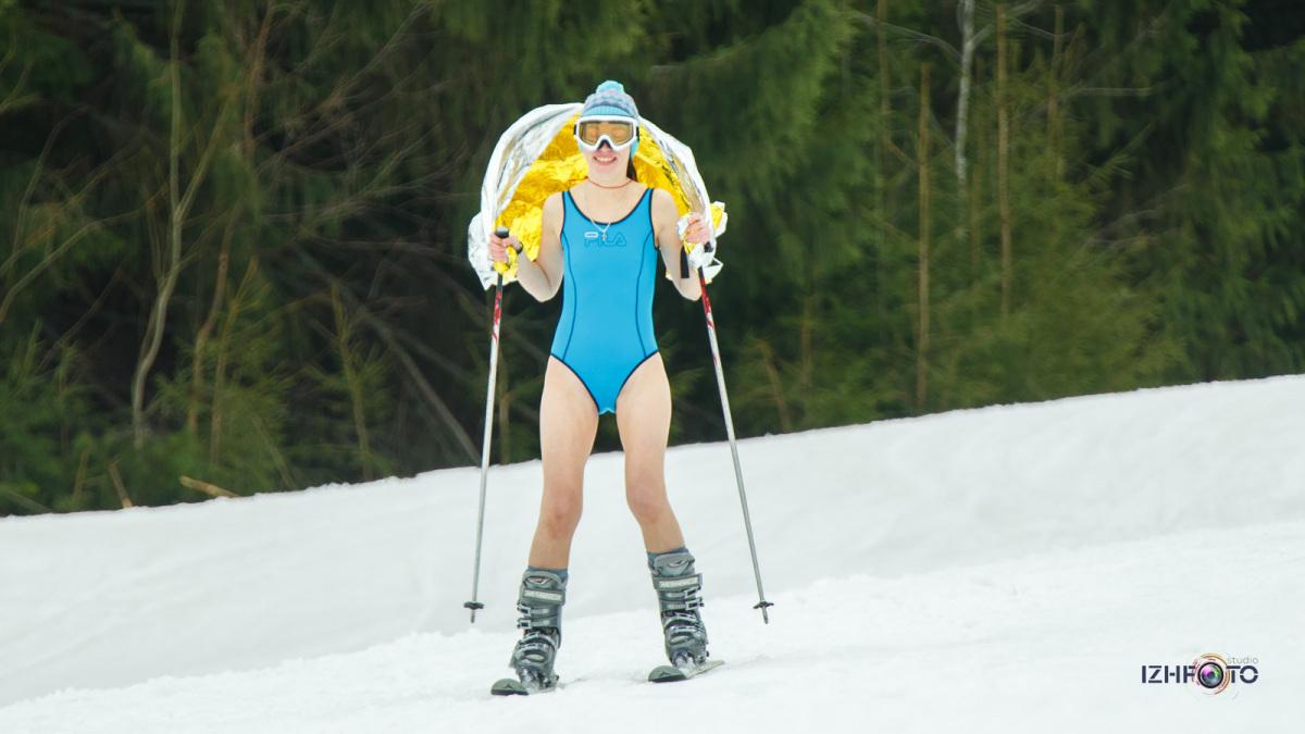 Катание на сноуборде и горных лыжах в Ижевске