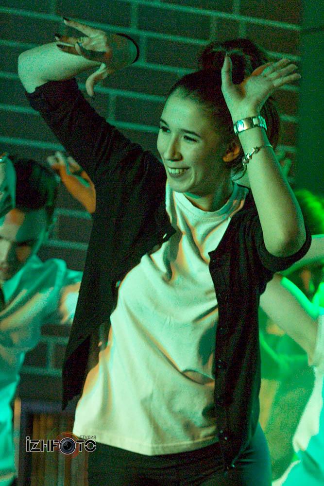 Танцы в кино