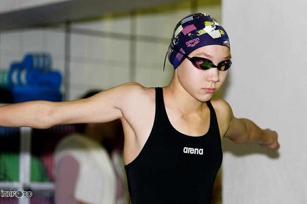 Проведение соревнований по плаванию