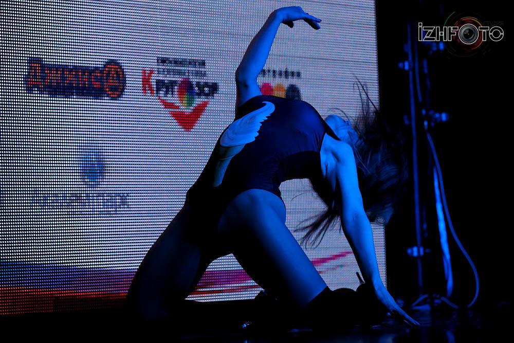 Клубные танцы Фото