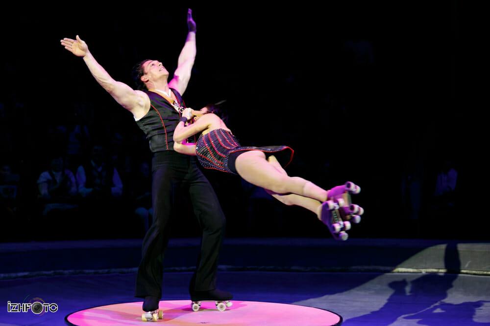 Фото акробатов на роликах в ижевском цирке