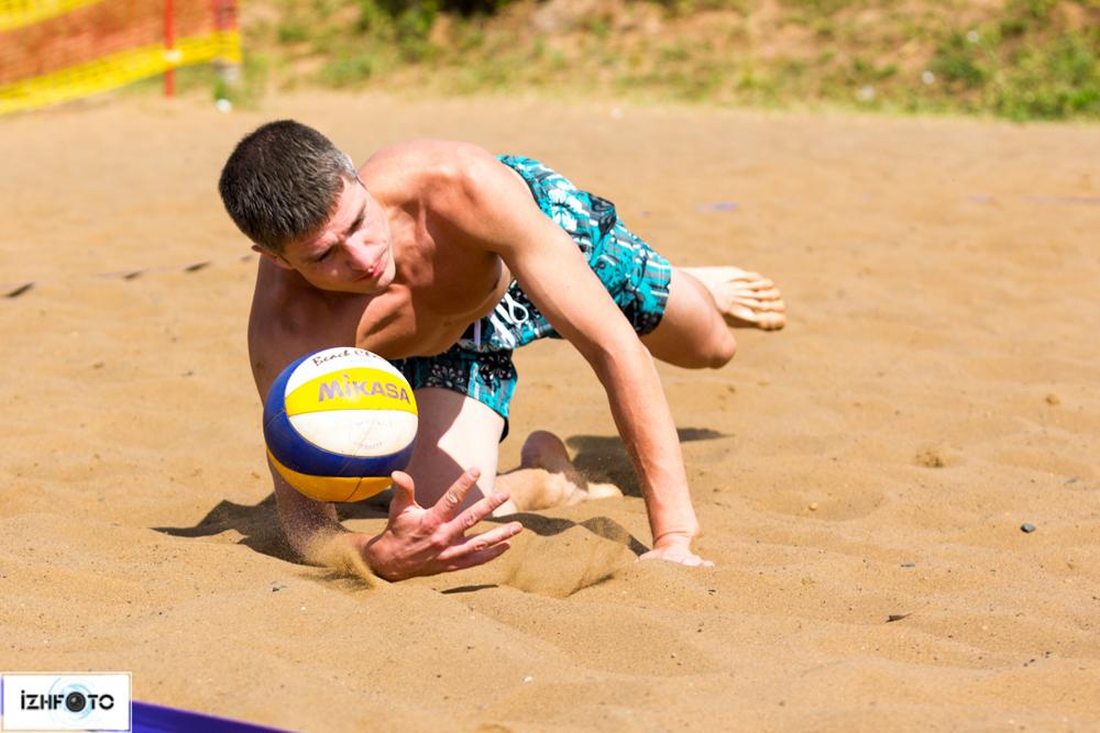 Пляжный волейбол в Чекериле
