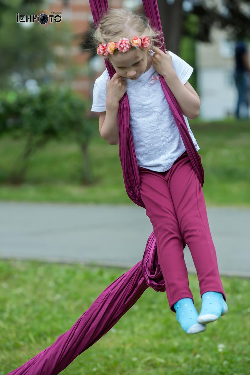 Воздушная гимнастика на полотнах для детей
