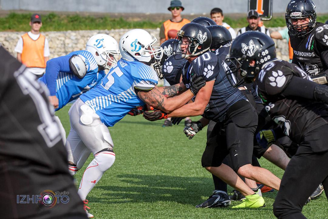 Wolfhounds Ufa команда по американскому футболу