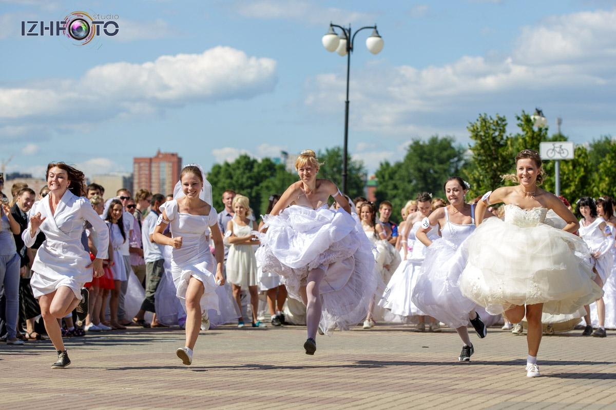 Фотографии с марафона невест