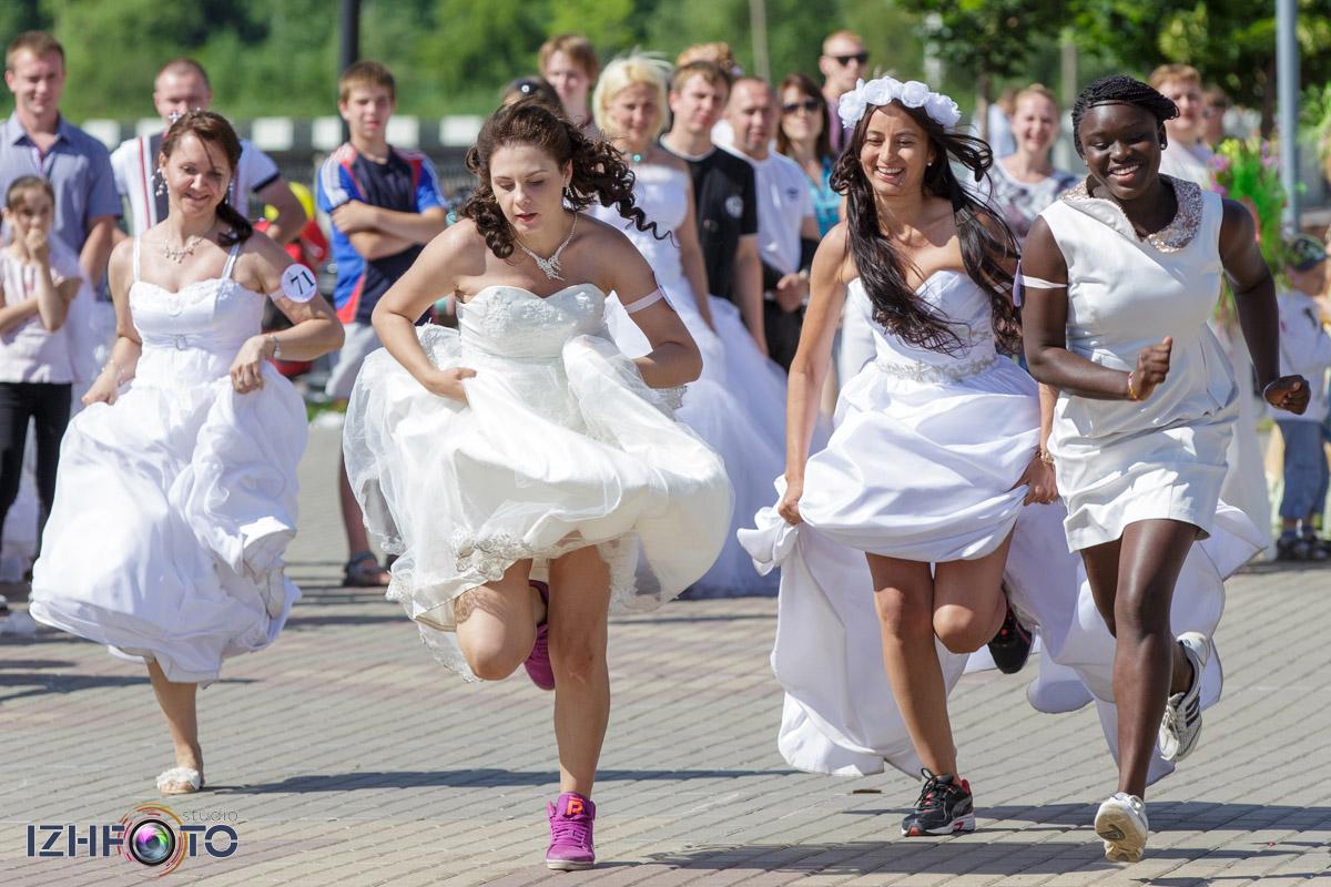 Самые спортивные невесты Фото