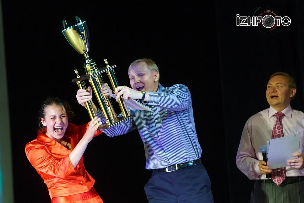 Награждение Гран-при Фестиваля от Оптима