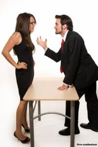 Противоречия и конфликты между участниками и менеджментом