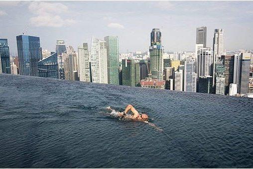 Сингапур, Марина Бэй Сэндс, бассейн на 57 этаже. Infinity pool. Хотели бы там побывать?