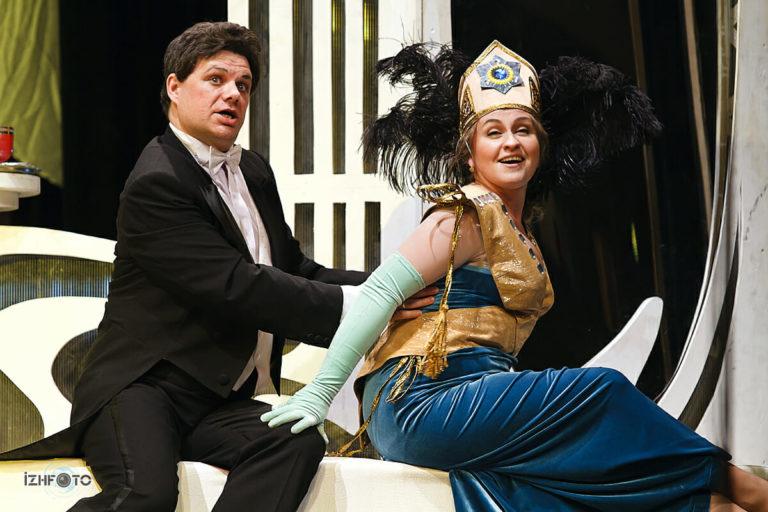 Оперетта Веселая вдова фото