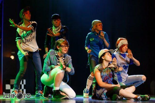 Группа GxB танец Beep beep