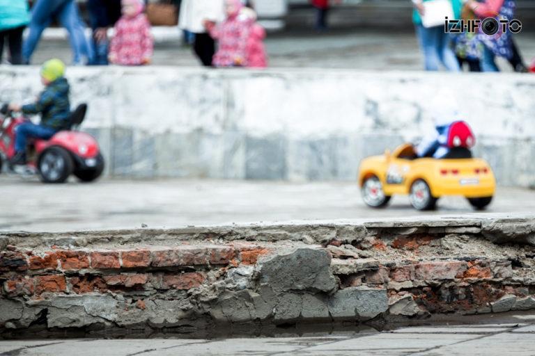 Центральная площадь Ижевск ремонт